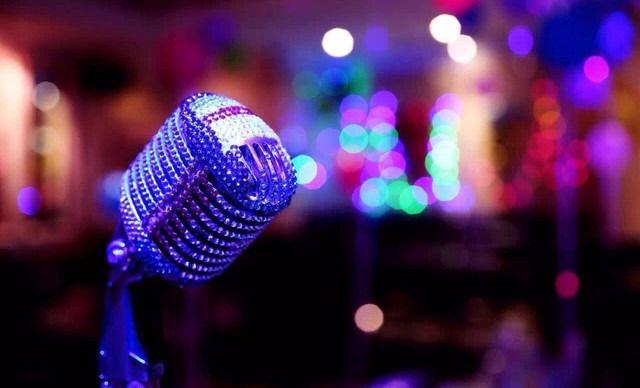 银乐迪INLOVE KTV欢唱,大家爱K歌!仅售55.00元,价值173元的银乐迪INLOVE KTV周一至周五11:00-18:00欢唱3小时,中包可用,提供免费WiFi,赠爆米花一份,欢唱3小时。