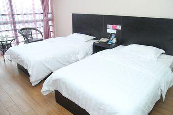 【酒店】乐8连锁旅店-美团