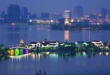 【博览中心】金鸡湖夜游船望湖阁码头节假日19:30船票+讲解(成人票)-美团