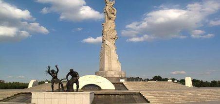 【人民广场】世界雕塑公园景区-美团