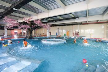 【大兴新区】欢乐海室内水上乐园不限人群夜场票-美团