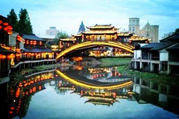 【南京出发】乌镇景区、横店影视城、雷峰塔景区等3日跟团游*高铁返程,天天发班-美团