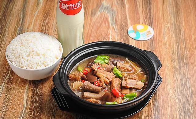 :长沙今日团购:【黄焖鸡米饭】黄焖排骨/猪脚饭,建议单人使用,提供免费WiFi