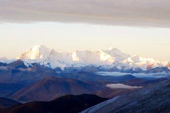 【拉萨出发】珠峰大本营、普姆雍措、羊卓雍圣湖等4日跟团游*日喀则珠峰4日游-美团
