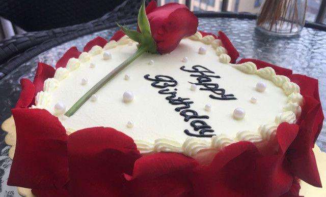 :长沙今日团购:【顿晨.烘焙】心形玫瑰花瓣蛋糕1,约8英寸,