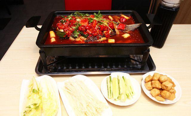 【6店通用】啷儿哥麻辣香锅秘制烤鱼套餐,建议2-3人使用,提供免费WiFi