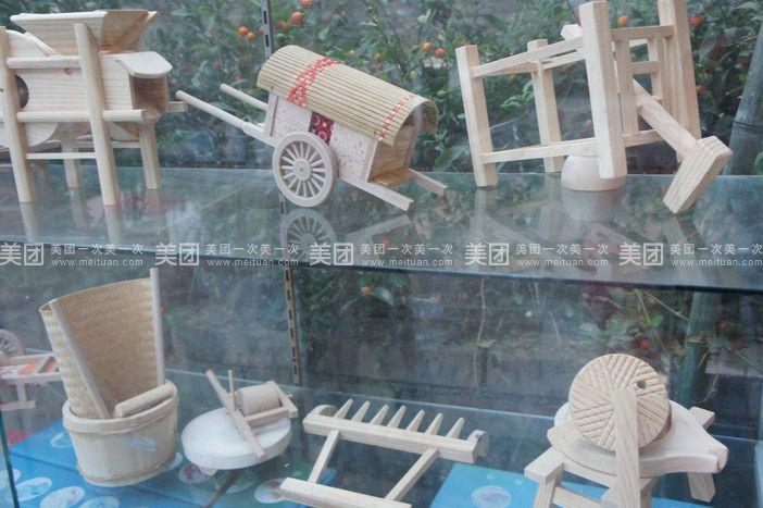 国外户外小木屋滑梯图片