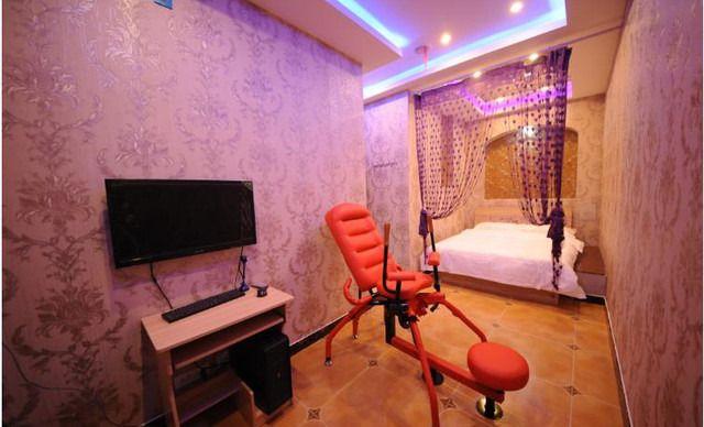 背景墙 房间 家居 起居室 设计 卧室 卧室装修 现代 装修 640_388图片