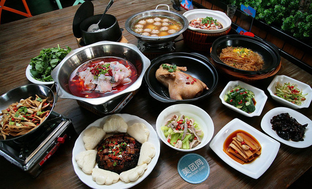 :长沙今日团购:【饭菜真湘】美味10人套餐,提供免费WiFi