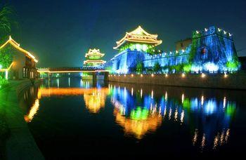【城南】夜游护城河船-美团