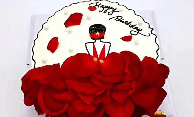 :长沙今日团购:【小小嘟烘焙】玫瑰花瓣蛋糕1个,约8英寸,圆形