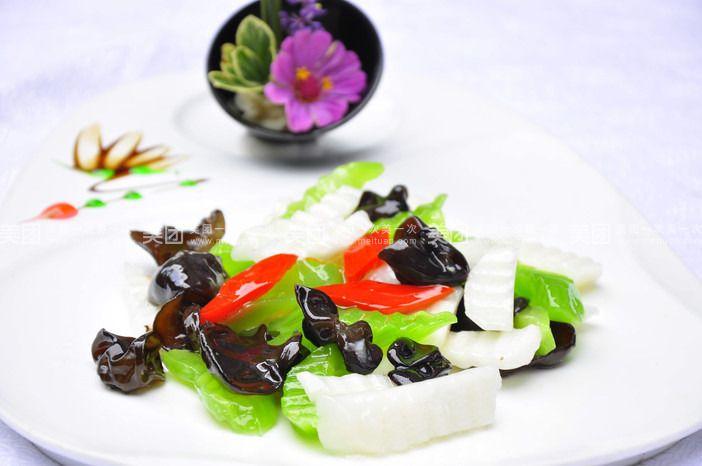 木耳莴笋炒山药羊肝和胡萝卜图片