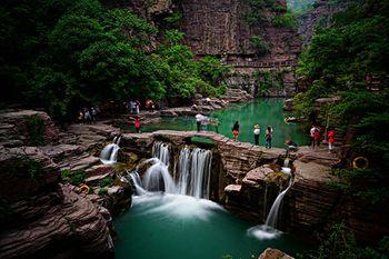 【新乡出发】云台山地质公园纯玩1日跟团游*红石峡潭瀑峡泉瀑峡猴-美团