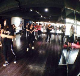 新梦想街舞培训中心
