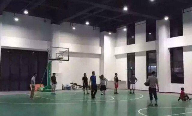 【杭州启菲健身会所】室内篮球馆次卡1次,提供