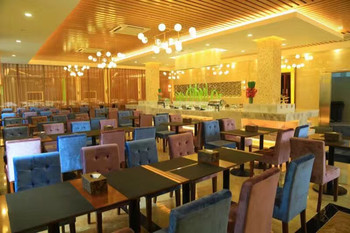 【贾汪区】龙山温泉度假中心周末/节假日票成人全天门票+自助餐-美团