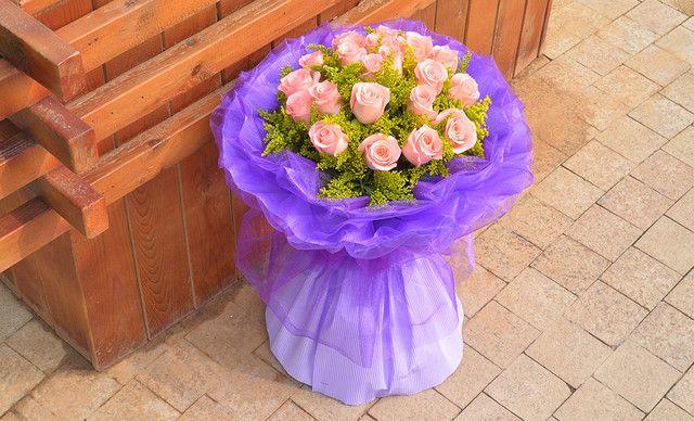 花之爱鲜花21支玫瑰 (5选1)套餐,仅售145元!价值428元的21支玫瑰 (5选1)套餐
