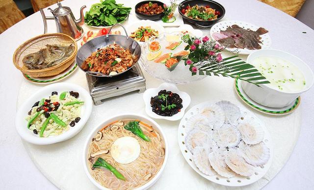 :长沙今日团购:【盛记海鲜】宵夜汽锅火锅套餐,建议2人使用,包间免费