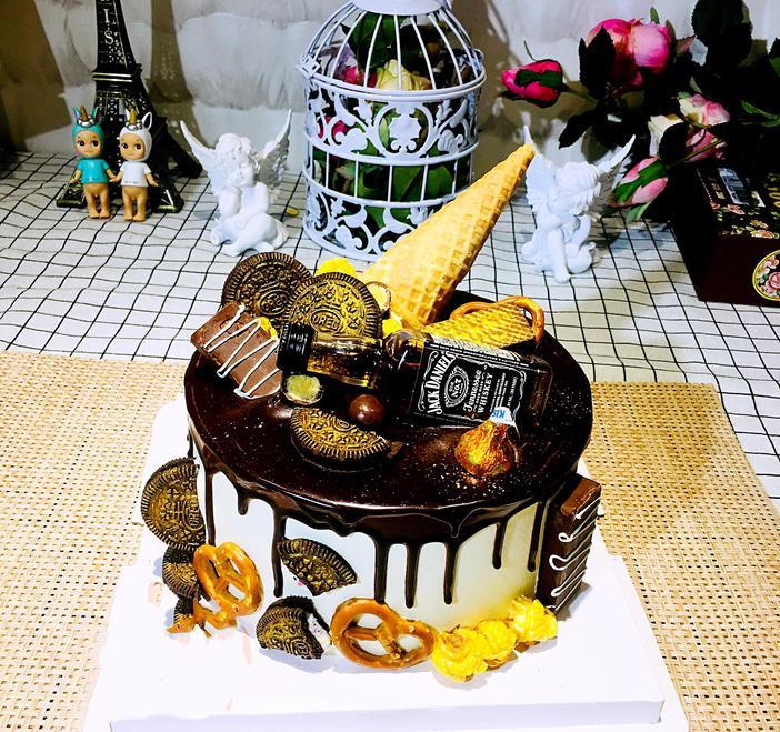 6寸小酒版款式蛋糕图片