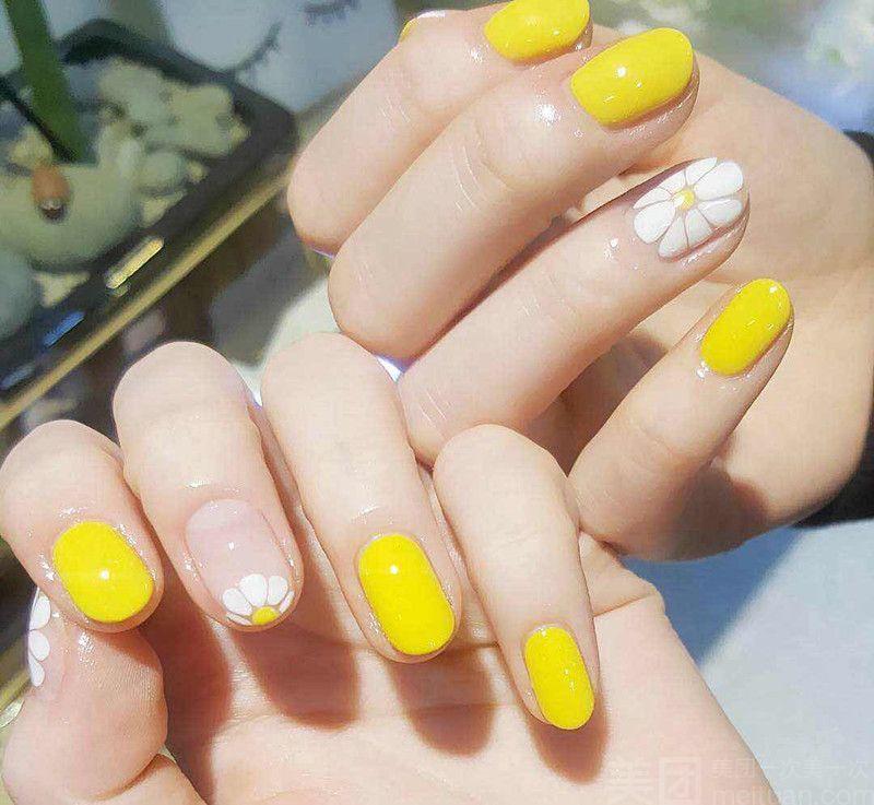 :长沙今日团购:【印奈儿美甲手足护理机构】夏日靓丽法式小花朵美甲套餐