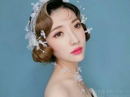 新娘早妆精致妆面加造型配饰 388 1份 388 新娘换装补妆换造型配饰图片