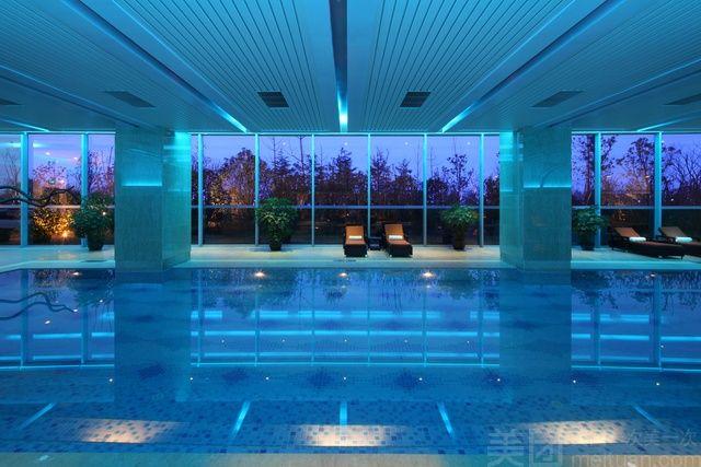 世茂滨江希尔顿酒店-游泳健身中心-美团