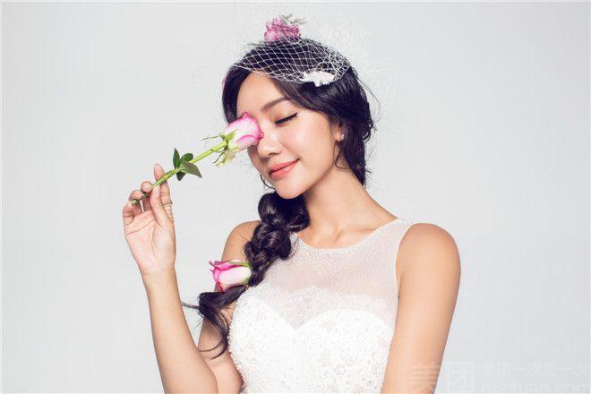 :长沙今日团购:【禾颜悦摄婚纱摄影】施华洛定制婚纱摄影