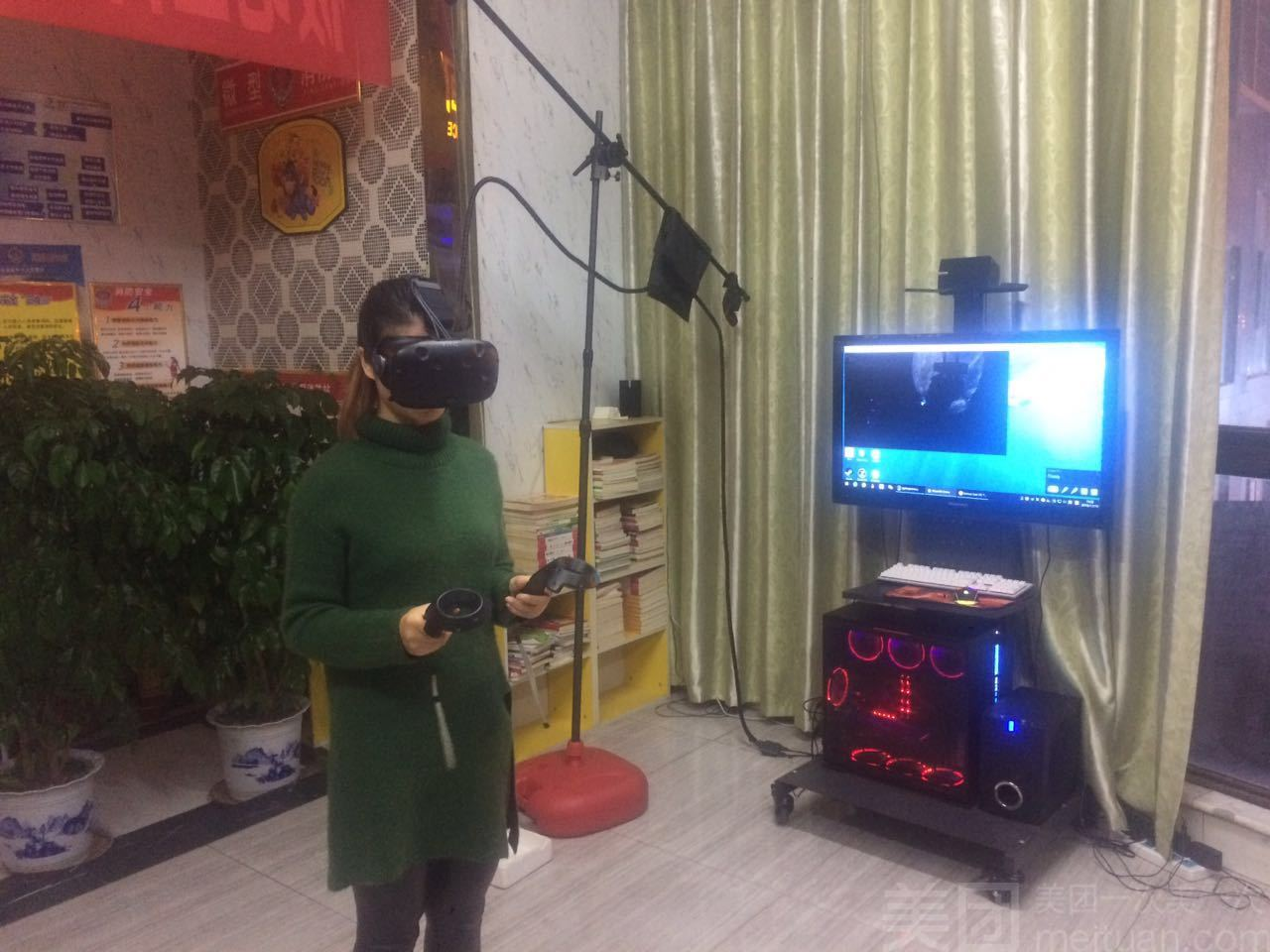 鲨鱼VR体验厅-美团