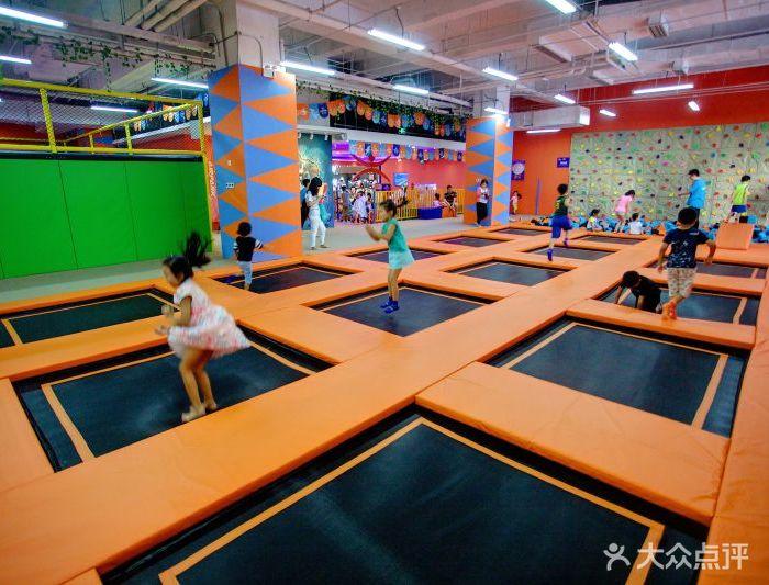 airpark爱尔城蹦床运动工场图片