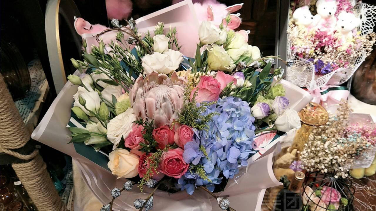 :长沙今日钱柜娱乐官网:【花殿花店】高大上的帝王花束
