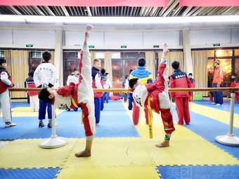 腾腾跆拳道散打教育培训中心(体育馆店)