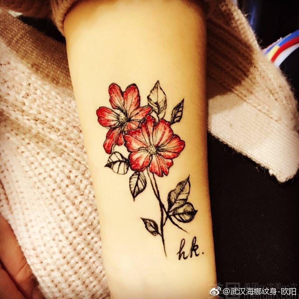呆呆的海娜手绘纹身