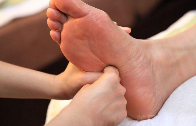 :长沙今日团购:【健康会足浴养生馆】中级养生足疗(80分钟足疗)