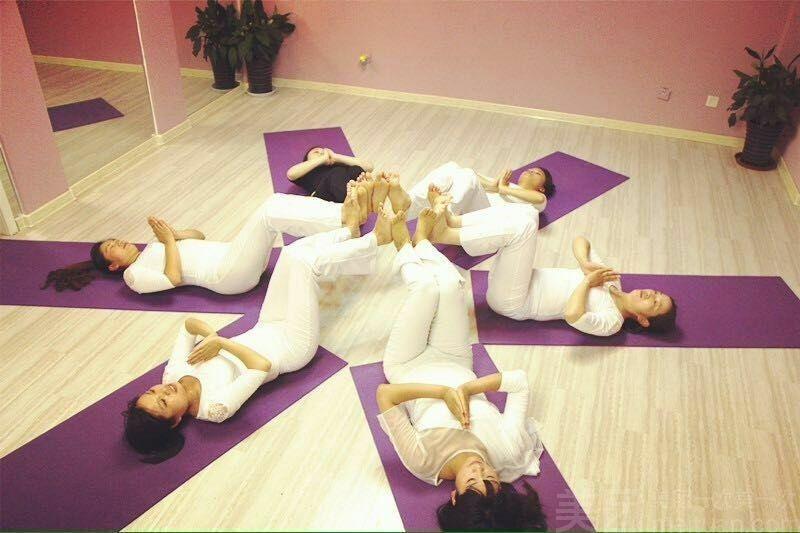 瑜美人瑜伽-美团