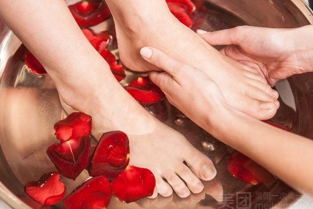 :长沙今日团购:【兴湘足浴】单人中式足浴