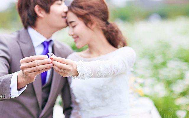 :长沙今日团购:【薇薇新娘婚纱摄影】【特惠】外景城市旅拍特惠婚纱照