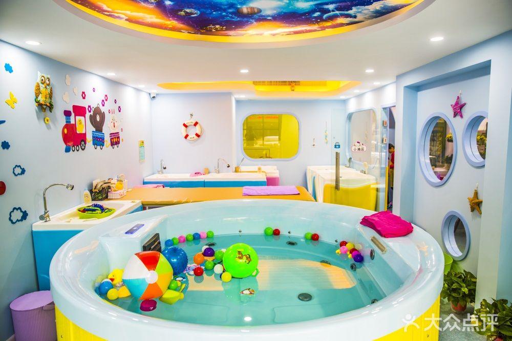 适合6-18个月的宝宝游泳洗澡抚触