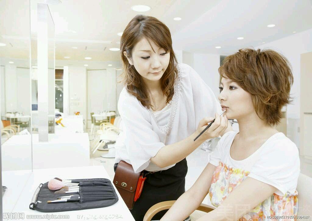 :长沙今日团购:【珂洛丽美甲形象连锁】单人生活妆妆面设计套餐