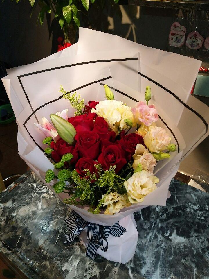 :长沙今日团购:【星沙花店心上人花礼】九只玫瑰花束