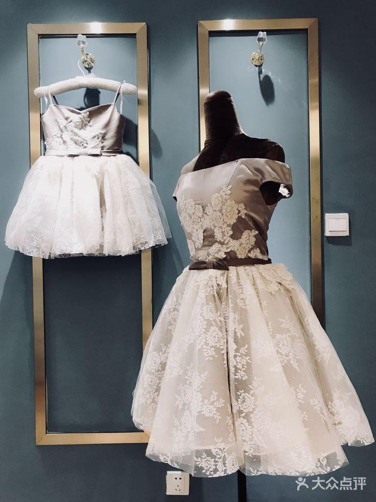 童礼服的制作完全等同于成人礼服的制作工序,严格按照3d立裁的工艺