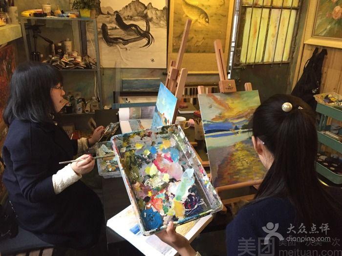 鹤让艺庐油画墙绘体验馆 油画墙绘咖啡馆