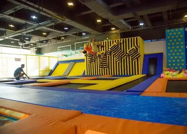 跳吧蹦床主题乐园(罗宾森店)图片