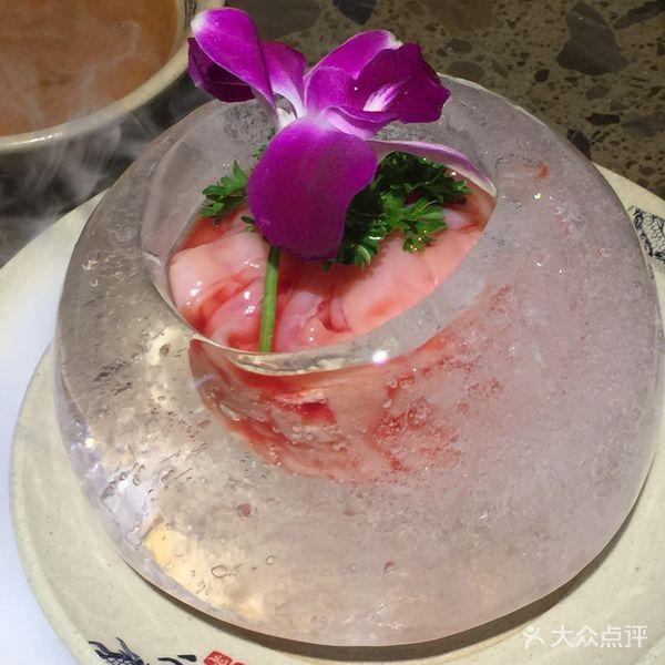 网红小龙坎火锅 服务周到 菜品特色新鲜 值得推荐