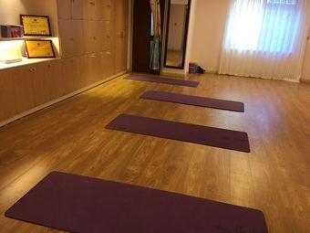 唯娅瑜伽健身会馆