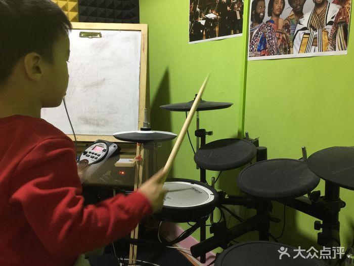 鼓立方架子鼓吉他尤克里里培训