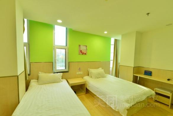 99旅馆连锁(北京清华北大地铁站店)预订/团购
