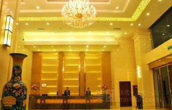 【雅安等】桂园酒店 1 晚+轿顶山门票+清溪黄牛肉3-4人餐-美团
