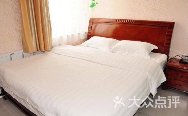 聚鑫宾馆 辽东学院店