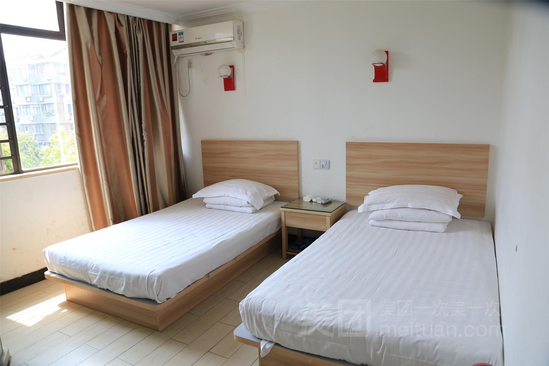 99旅馆连锁(上海新村路地铁站店)(原山龙旅馆)预订/团购