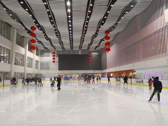 陈露大连国际冰上中心